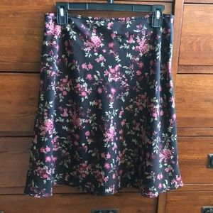 Brown floral Old Navy skirt EUC size 6